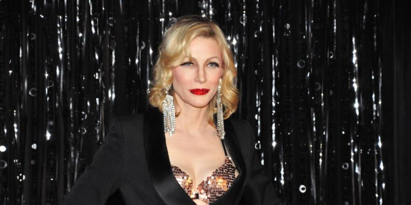 Cate Blanchett Lip Syncs at a Drag Show in NYC to support Newtown Action Alliance